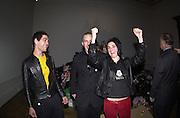 Tim Noble, Stuart Shave and Sue Webster. Apocalypse opening. Royal Academy. 18 September 2000. © Copyright Photograph by Dafydd Jones 66 Stockwell Park Rd. London SW9 0DA Tel 020 7733 0108 www.dafjones.com