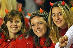 Torcedores momentos antes da partida entre as equipes do Internacional e São Paulo, realizada no Estádio Beira Rio, em Porto Alegre, válido pela semi-final da Copa Libertadores da America. FOTO: Jefferson Bernardes/Preview.com