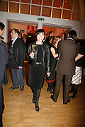 BETTY BOOTH, Art Plus Music party. Fundraiser for the Whitechapel. 30 March 2006. ONE TIME USE ONLY - DO NOT ARCHIVE  © Copyright Photograph by Dafydd Jones 66 Stockwell Park Rd. London SW9 0DA Tel 020 7733 0108 www.dafjones.com