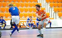 ROTTERDAM -  Bloemendaal H2 plaatst zich voor finale door van Kampong te winnen met strafballen. Landskampioenschap zaalhockey voor reserveteams. FOTO KOEN SUYK