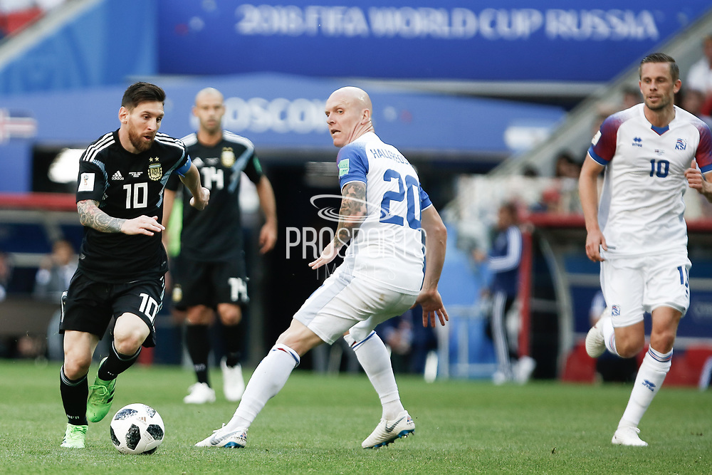 Lionel Messi of Argentina and Emil Hallfredsson of Iceland during the 2018 FIFA World Cup Russia, Group D football match between Argentina and Iceland on June 16, 2018 at Spartak Stadium in Moscow, Russia - Photo Thiago Bernardes / FramePhoto / ProSportsImages / DPPI