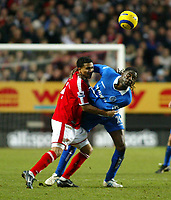 Fotball<br /> England 2004/22005<br /> Foto: SBI/Digitalsport<br /> NORWAY ONLY<br /> <br /> Charlton Athletic v Birmingham City<br /> Barclays Premiership. 15/01/2005<br /> <br /> Mario Melchiot of Birmingham and Jerome Thomas of Charlton get to grips with each other at the Valley