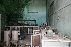 Fragagnano, Taranto, Vecchia distilleria abbandonata