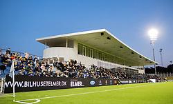 Hovedtribunen under kampen i 1. Division mellem FC Helsingør og Vendsyssel FF den 18. september 2020 på Helsingør Stadion (Foto: Claus Birch).