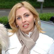 NLD/Vierhouten/20050530 - Society vrouwen rijden de BeauMonde Rally 2005, Anita van der Hoeven