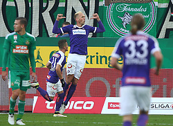 23.10.2016, Allianz Stadion, Wien, AUT, 1. FBL, SK Rapid Wien vs FK Austria Wien, 12 Runde, im Bild Torjubel Venuto (FK Austria Wien) und Raphael Holzhauser (FK Austria Wien) // during Austrian Football Bundesliga Match, 12th Round, between SK Rapid Vienna and FK Austria Wien at the Allianz Stadion, Vienna, Austria on 2016/10/23. EXPA Pictures © 2016, PhotoCredit: EXPA/ Thomas Haumer