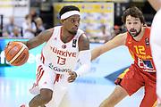DESCRIZIONE: Berlino EuroBasket 2015 - <br /> Turkey Spain<br /> GIOCATORE: Bobby Dixon<br /> CATEGORIA: Palleggio<br /> SQUADRA: Turkey<br /> EVENTO: EuroBasket 2015 <br /> GARA: Berlino EuroBasket 2015 - Turkey vs Spain<br /> DATA: 06-09-2015 <br /> SPORT: Pallacanestro <br /> AUTORE: Agenzia Ciamillo-Castoria/I.Mancini <br /> GALLERIA: FIP Nazionali 2015 FOTONOTIZIA: Berlino EuroBasket 2015 - Turkey vs Spain