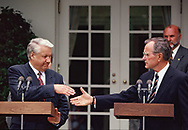 BUSH AND YELTSIN Announce and aggreement  TO CUT LONG-RANGE ATOMIC WARHEADS; SCRAP KEY LAND-BASED MISSILES at a ceremony in the Rose Garden on June 17 1992<br />Photo by Dennis Brack