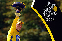 Sykkel<br /> Foto: Dppi/Digitalsport<br /> NORWAY ONLY<br /> <br /> UCI PRO TOUR - TOUR DE FRANCE 2005 - 24/07/2005 -                           <br /> STAGE 21 - CORBEIL-ESSONNES > PARIS - LANCE ARMSTRONG (USA) / DISCOVERY CHANNEL - WINNER