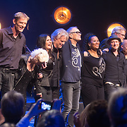 NLD/Amsterdam/20161120 - NPO Radio Ouvre Award 2016, Rob de Nijs en zijn band