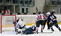 27.04.2011, TWK Arena, Innsbruck, AUT, IIHF WM 2011, Testspiel, Österreich vs USA, im Bild action vor dem Goal von 3:2, Jürgen Penker (AUT, #29, EV Vienna Capitals), Tim Stapleton (USA, #23, Atlanta Thrashers, NHL), Chris Porter (USA, #24, St. Louis Blues, NHL), Manuel Latusa (AUT, #15, EC Red Bull Salzburg), during friendly ice hockey match between Austria and USA, in preparation of IIHF world Championship 2011 at TWK Arena in Innsbruck Austria on 27/4/2011. EXPA Pictures © 2011, PhotoCredit: EXPA/ J. Groder