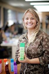 Andreia Konz, proprietaria AK Cosmeticos de Caxias do Sul que chega ao mercado em 2011 com portfólio de 90 produtos. FOTO: Jefferson Bernardes/Preview.com