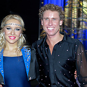 NLD/Eindhoven/20111202- Premiere Holiday on Ice show Tropicana, Michael Boogerd en Dary Nucci in schaats outfit