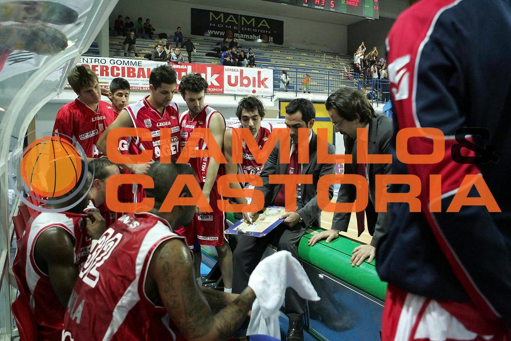 DESCRIZIONE : Frosinone Lega Basket A2 2011-12  Prima Veroli Aget Service Imola<br /> <br /> GIOCATORE : Federico Fuca<br /> <br /> CATEGORIA : time out<br /> <br /> SQUADRA : Aget Service Imola<br /> <br /> EVENTO : Campionato Lega A2 2011-2012<br /> <br /> GARA : Prima Veroli Aget Service Imola<br /> <br /> DATA : 20/11/2011<br /> <br /> SPORT : Pallacanestro <br /> <br /> AUTORE : Agenzia Ciamillo-Castoria/ A.Ciucci<br /> <br /> Galleria : Lega Basket A2 2011-2012 <br /> <br /> Fotonotizia : Frosinone Lega Basket A2 2011-12 Prima Veroli Aget Service Imola<br /> <br /> Predefinita :