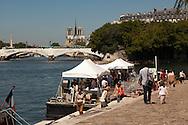 France. Paris. 4th doistrict.  Henri IV quay on the seine river banks