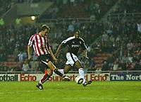 Photo: Andrew Unwin.<br /> Sunderland v Fulham. The Barclays Premiership. 04/05/2006.<br /> Sunderland's Chris Brown fires home his teams' second goal.