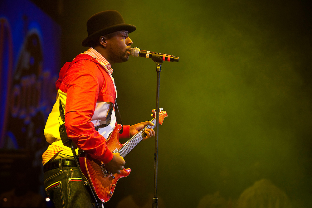 Wyclef Jean performing on stage at the Domino Effect Benefit Concert in the New Orleans Arena in New Orleans, Louisiana, USA, 30 May 2009.