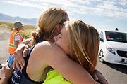 Aniek Rooderkerken omhelst haar trainer tijdens de derde racedag. Het Human Power Team Delft en Amsterdam, dat bestaat uit studenten van de TU Delft en de VU Amsterdam, is in Amerika om tijdens de World Human Powered Speed Challenge in Nevada een poging te doen het wereldrecord snelfietsen voor vrouwen te verbreken met de VeloX 7, een gestroomlijnde ligfiets. Het record is met 121,44 km/h sinds 2009 in handen van de Francaise Barbara Buatois. De Canadees Todd Reichert is de snelste man met 144,17 km/h sinds 2016.<br /> <br /> With the VeloX 7, a special recumbent bike, the Human Power Team Delft and Amsterdam, consisting of students of the TU Delft and the VU Amsterdam, wants to set a new woman's world record cycling in September at the World Human Powered Speed Challenge in Nevada. The current speed record is 121,44 km/h, set in 2009 by Barbara Buatois. The fastest man is Todd Reichert with 144,17 km/h.