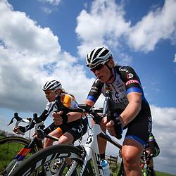 16-04-2016: Wielrennen: IJsseldelta Topcompetitie vrouwen: Zwolle<br />ZWOLLE (NED) wielrennen Wind was in deze editie de grootste tegenstanders van de vrouwen. In de kopgroep op voorgrond Kirsten Wild en Anna van der Breggen