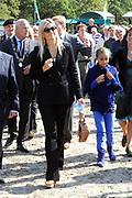 Prins Willem-Alexander en Prinses Máxima zijn aanwezig bij  de opening van het nieuwe bezoekerscentrum van drinkwaterbedrijf Dunea in het duingebied in de gemeente Wassenaar. De prinses opende het nieuwe centrum samen met prins Willem-Alexander. <br /> <br /> Prince Willem-Alexander and Princess Maxima attend the opening of the new visitorscentre of Dunea water company in the dunes in the town of Wassenaar. The princess opened the new center along with Prince Willem-Alexander.
