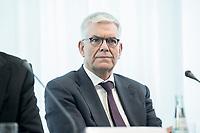 14 JUN 2018, BERLIN/GERMANY:<br /> Dr. Thomas Bellut, Intendant ZDF, Pressekonferenz zur Reform des Telemedienauftrags der oeffentlich-rechtlichen Rundfunkanstalten, Landesvertretung Rheinland.-Pfalz<br /> IMAGE: 20180614-01-022