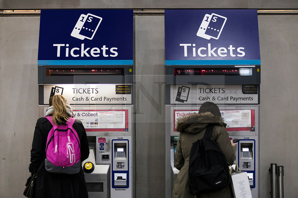 © Licensed to London News Pictures. 02/01/2018. London, UK. Passengers purchasing tickets at London Bridge station. Rail fares have increased by an average of 3.4%, the biggest rise in five years. Photo credit: Rob Pinney/LNP