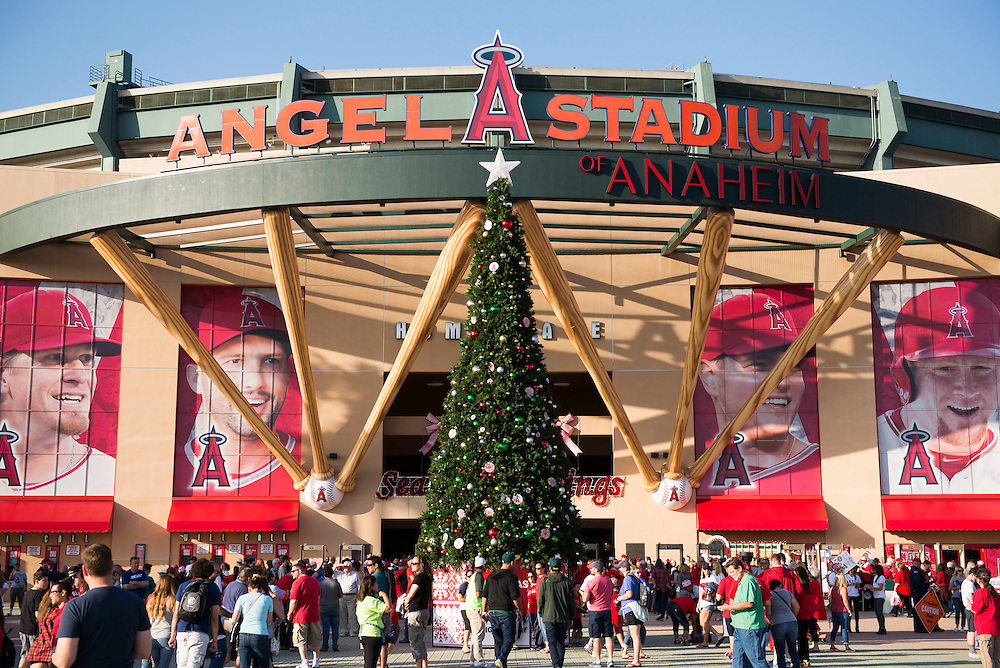 A giant Christmas Tree sits in front of Angel Stadium during the Angels' Christmas in June promotion Friday.<br /> <br /> ///ADDITIONAL INFO:   <br /> <br /> angels.0625.kjs  ---  Photo by KEVIN SULLIVAN / Orange County Register  --  6/24/16<br /> <br /> The Los Angeles Angels take on the Oakland Athletics Friday at Angel Stadium.<br /> <br /> <br />  6/24/16
