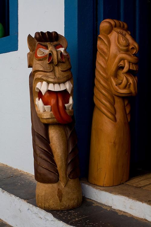 Januaria_MG, Brasil...Carrancas na porta de uma casa em Januaria, Minas Gerais...Carrancas on the door in Januaria, Minas Gerais...Foto: LEO DRUMOND /  NITRO
