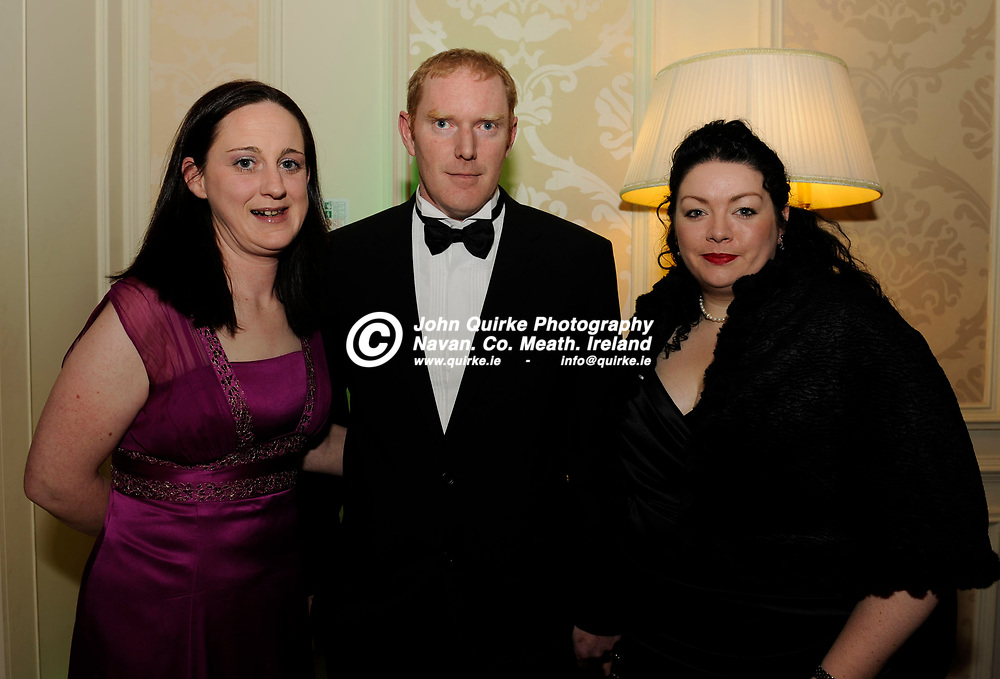 21-01-2011. Meath Chronicle/Cusack Hotel Group Sports Personalty of the Year awards 2010 presentations at the Knightsbrook Hotel, Trim.<br /> L to R: Edel Flynn, Derek Flynn and Nicola Kearns.<br /> Photo: John Quirke / www.quirke.ie<br /> ©John Quirke Photography, Unit 17, Blackcastle Shopping Cte. Navan. Co. Meath. 046-9079044 / 087-2579454.