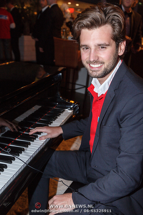 NLD/Amsterdam/20151210 - Vipnight LXRY Masters of Luxery 2015, Ruud Feltkamp achter de piano