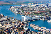 Nederland, Zuid-Holland, Dordrecht, 01-04-2016; overzicht binnenstad van Dordrecht met karakteristieke spoorbrug over rivier de Oude Maas.<br /> Kalkhaven.<br /> Overview city of Dordrecht located on the Oude Maas river.<br /> <br /> luchtfoto (toeslag op standard tarieven);<br /> aerial photo (additional fee required);<br /> copyright foto/photo Siebe Swart