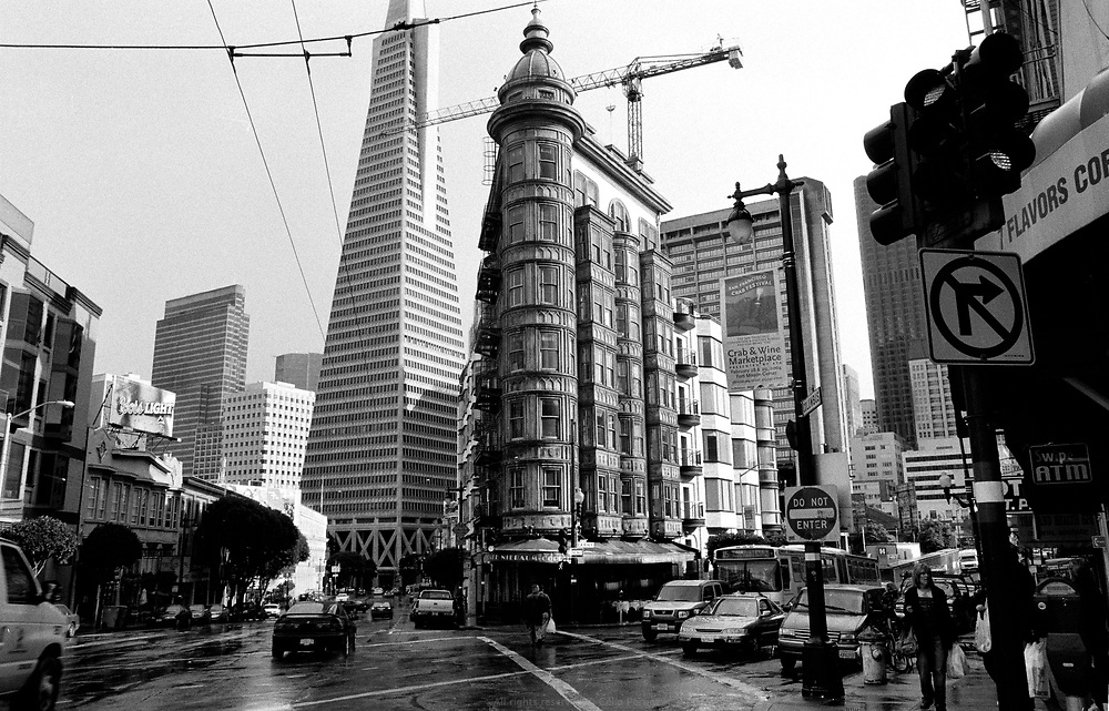 Cafe Niebaum at the bottom of the Sentinel Building owned by Francis Ford Coppola, Transamerica Pyramid, Columbus avenue, North Beach, San Francisco