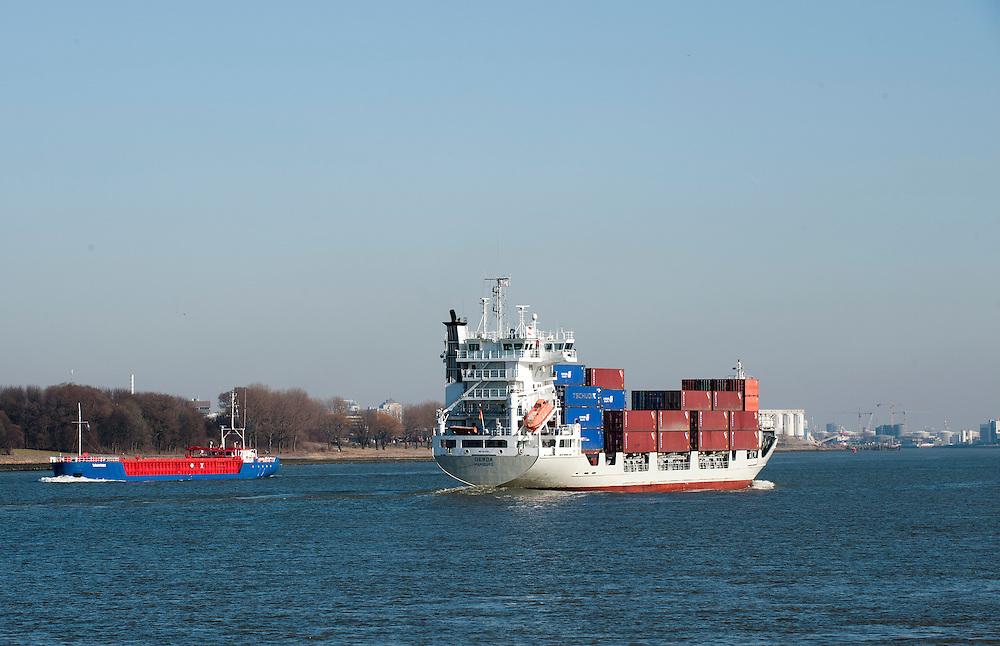 Nederland, Rotterdam, 4 maart 2013.Containerschip op de nieuwe waterweg..Foto(c): Michiel Wijnbergh