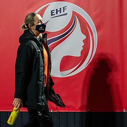 Dutch handball player Lois Abbingh on her way to training. The match during the first round of the European Championship handball against Serbia has been postponed for one day due to a corona case at the Serbian team on December 4, 2020 in Kolding