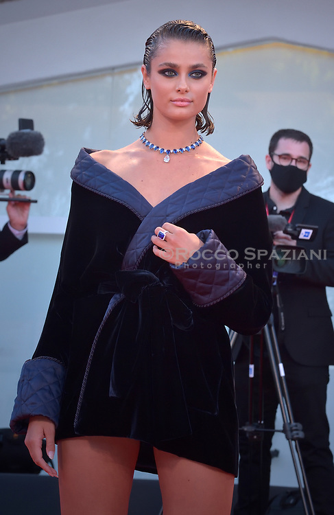 """VENICE, ITALY - SEPTEMBER 03: Taylor Hill  walks the red carpet ahead of the movie """"Amants"""" at the 77th Venice Film Festival at on September 03, 2020 in Venice, Italy."""
