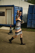 Gina Rodgers, Zoo Art Fair preview, Regents Park. 12 October 2006. -DO NOT ARCHIVE-© Copyright Photograph by Dafydd Jones 66 Stockwell Park Rd. London SW9 0DA Tel 020 7733 0108 www.dafjones.com