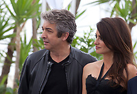 Ricardo Darin, Penelope Cruz, at the Everybody Knows film photo call at the 71st Cannes Film Festival, Wednesday 9th May 2018, Cannes, France. Photo credit: Doreen Kennedy