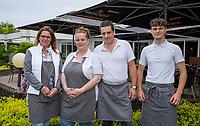 HALFWEG -  Bezetting Brasserie de Bauduin met Jolanda en Richard van der Veldt ,   Amsterdamse Golf Club (AGC).   COPYRIGHT KOEN SUYK