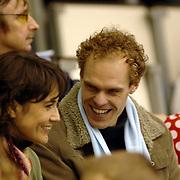 NLD/Heerenveen/20060121 - ISU WK Sprint 2006, Dione de Graaf in gezelschap van