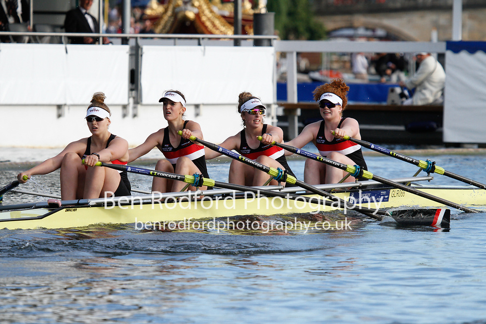 Race: 41 - Event: JUBILEE - Berks: 396 GLOUCESTER R.C. - Bucks: 400 HEADINGTON SCHOOL 'A'<br /> <br /> Henley Royal Regatta 2017<br /> <br /> To purchase this photo, or to see pricing information for Prints and Downloads, click the blue 'Add to Cart' button at the top-right of the page.