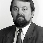 NLD/Huizen/19911114 - Carel Bikkers VVD raadslid gemeenteraad Huizen