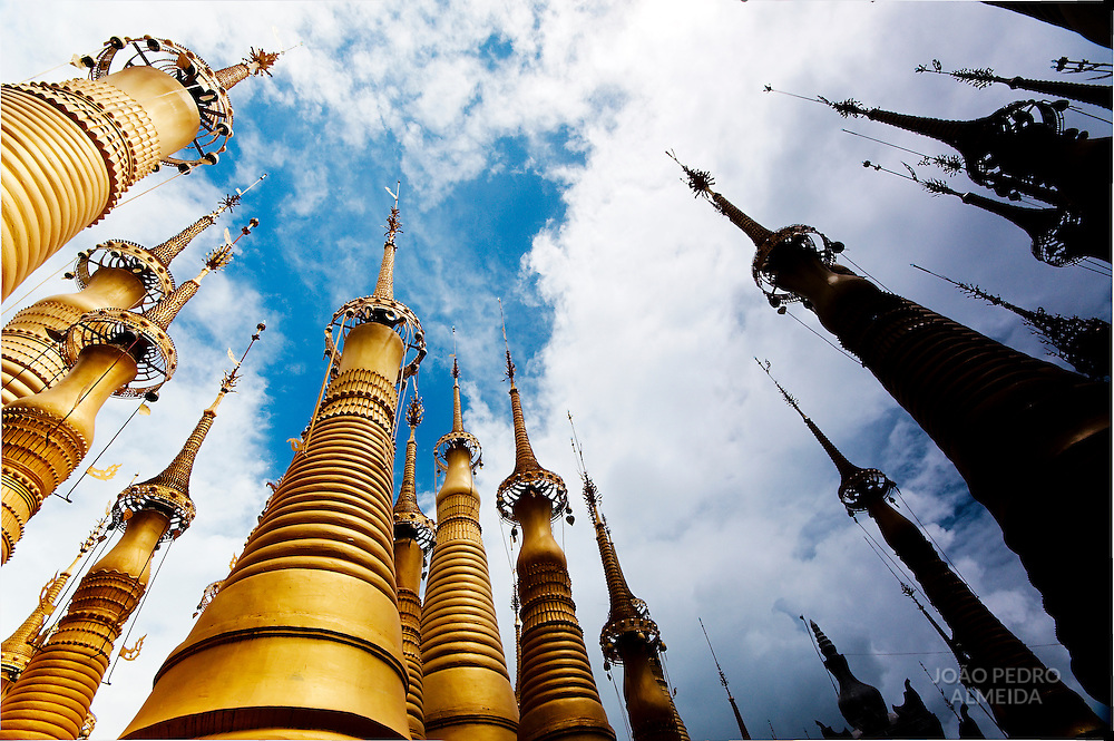 Golden stupas at temples of Inthein, Linle lake