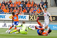 Fotball, <br /> 25.04.2011 , <br /> Tippeligaen  ,<br /> Eliteserien ,<br /> Aalesund FK - Sogndal ,<br /> Color line stadion ,  <br /> DEmar Phillips -aalesund<br /> Nils kenneth udjus - sogndal<br /> Kjell rune sellin - aalesund<br /> Foto: Richard brevik , Digitalsport