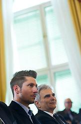 23.03.2016, Bundeskanzleramt, Wien, AUT, Überreichung des Großen Ehrenzeichens für Verdienste um die Republik Österreich an Marcel Hirscher, im Bild v.l.n.r. Marcel Hirscher (AUT) und Bundeskanzler Werner Faymann (SPÖ) // f.l.t.r. Austrian Skier Marcel Hirscher and Federal Chancellor of Austria Werner Faymann during awarding ceremony golden order of merit for services rendered to the Republic of Austria for Austrian ski racer Marcel Hirscher at federal chancellors office in Vienna, Austria on 2016/03/23, EXPA Pictures © 2016, PhotoCredit: EXPA/ Michael Gruber