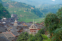 Chine. Province du Guizhou. Village Dong de Zhaoxing. Tour du Tambour. // China. Guizhou province. Dong village of Zhaoxing.  Drum Tower.