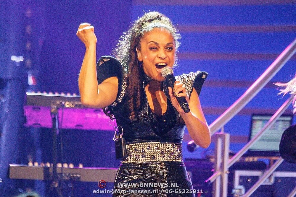 NLD/Aalsmeer/20150509 - Opname Nederland Muziekland, Nakatomi, Rachel Spier
