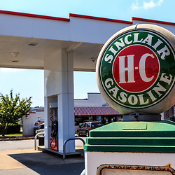 York, PA – June 25, 2016: A restored Sinclair HC gas pump at The Lincoln Highway Turkey Hill Market.
