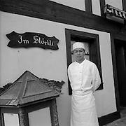Exotikfood, Direktimport: Chinaküche im Stöckli, der chinesische Koch auf dem Land. Cuisinier chinois en campagne. Ulmiz. © Romano P. Riedo