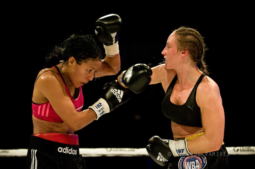 29.11.2014. Copenhagen, Denmark. Undisputed WBC/WBA/WBO/IBF female welterweight champion Cecilia Braekhus retained all four belts with a ten round unanimous decision over Jennifer Retzke at the Falconer Centeret in Copenhagen.Photo: © Ricardo Ramirez.