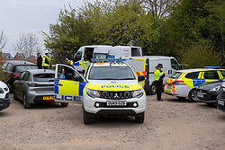 © Licensed to London News Pictures. 27/04/2021. Aylesbury, UK. Police at the scene following a fatal assault near Bridge 14 on the Grand Union Canal near Broughton in Aylesbury at about 12.20pm on Monday 26/04/2021. Police officers found a man with serious injuries and despite the efforts of emergency services the man died at the scene. Photo credit: Peter Manning/LNP